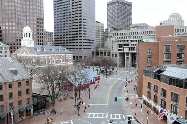 Super G1 - Caçada humana transforma Boston em 'cidade fantasma  HG06