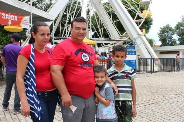 Juarez Medeiros saiu do trabalho e levou a família para o Parque Mutirama (Foto: Divulgação/TV Anhanguera)
