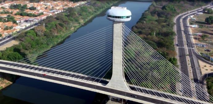 Ponte Estaiada de Teresina, Zona Leste da capital (Foto: Reprodução/Rede Clube)