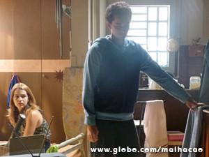 Anita fica arrasada com a decisão do namorado (Foto: Malhação / TV Globo)