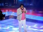 Marquinho OSócio encanta com 'A Lua e Eu' no palco do The Voice