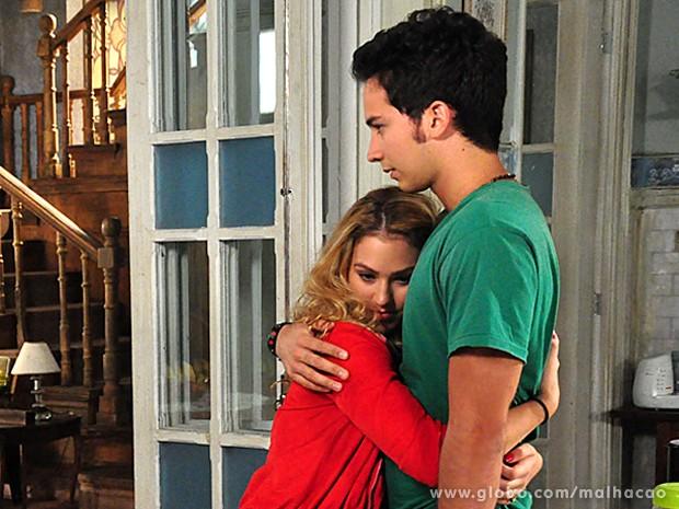 Meg vem dos EUA para se encontrar com Ben (Foto: Malhação/ TV Globo)