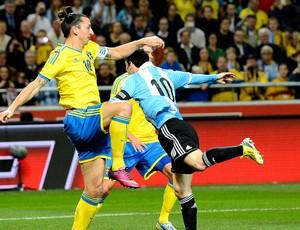 Ibrahimovic no amistoso da Argentina contra a Suécia (Foto: AFP)