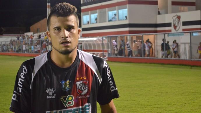 Vitor Sapo fez o gol da vitória do River Plate (Foto: Thiago Barbosa/GLOBOESPORTE.COM)