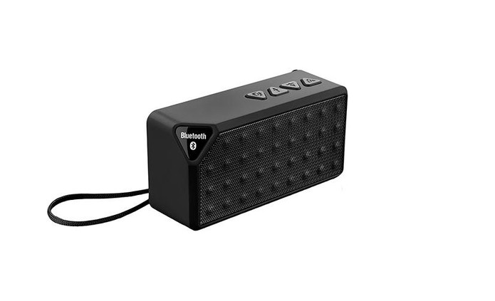 Caixa de som Multilaser tem conectividade Bluetooth e alça (Foto: Divulgação/Multilaser)