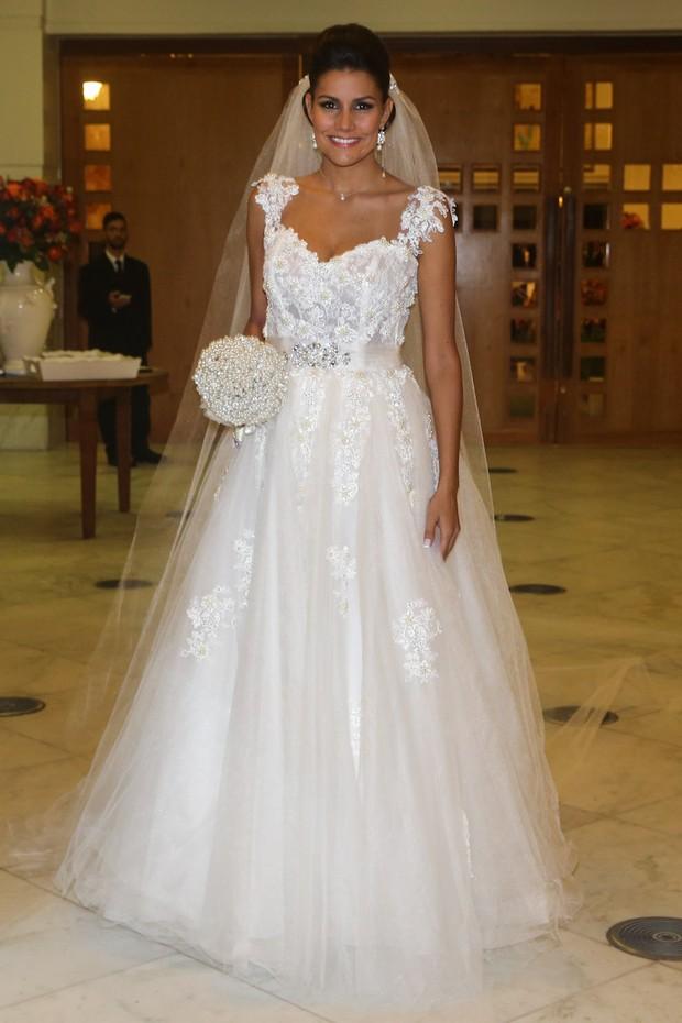 Mariana Felício chega para casamento (Foto: Manuela Scarpa/ Foto Rio News)