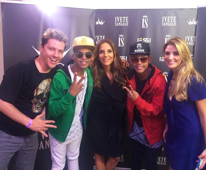 Equipe do Mais Você com Ivete e Lucas e Orelha (Foto: André Corga/TV Globo)