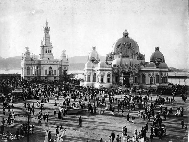 Exposição Nacional de 1908 - Vista dos Pavilhões de Minas Gerais e São Paulo (Foto: Divulgação: Augusto Malta (Acervo Histórico Museu da República))