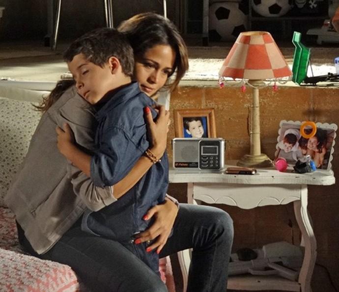 Luiz Felipe em cena de Salve Jorge com Nanda Costa, que interpretava Morena (Foto: Gshow)