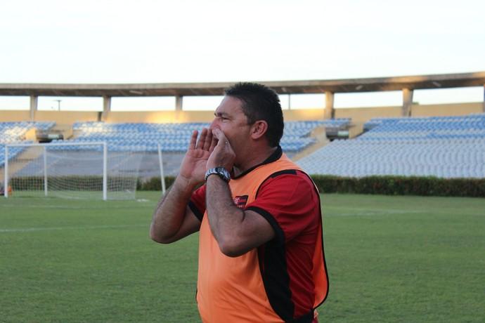 Jorge Pinheiro, técnico do Flamengo-PI (Foto: Abdias Bideh/GloboEsporte.com)