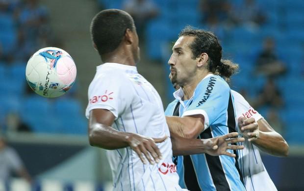 Barcos sofreu com marcação do Cruzeiro-RS (Foto: Wesley Santos/PressDigital)