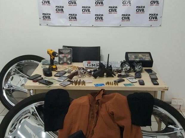Quadrilha é presa suspeita de roubo de carros em Uberlândia (Foto: Polícia Civil/Divulgação)