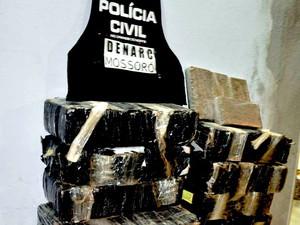 Ao todo, 340 quilos de maconha foram apreendidos em Mossoró (Foto: Divulgação/Polícia Civil)