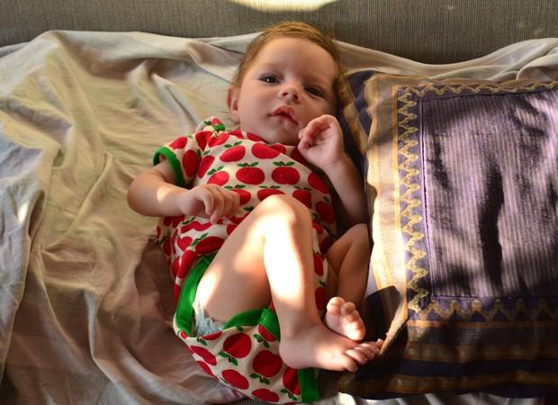A pequena Olívia, com 4 meses (Foto: Reprodução/ Facebook Fernando Peres)