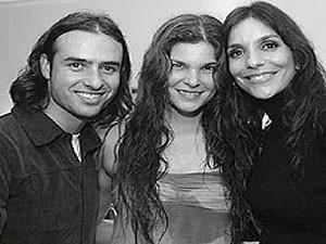 Sidney e Cristiana ao lado de Ivete Sangalo, em 2004 (Foto: Ernani D'Almeida / Revista Quem)