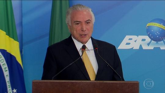 Deputados confrontam partidos ao divergir sobre denúncia contra Temer