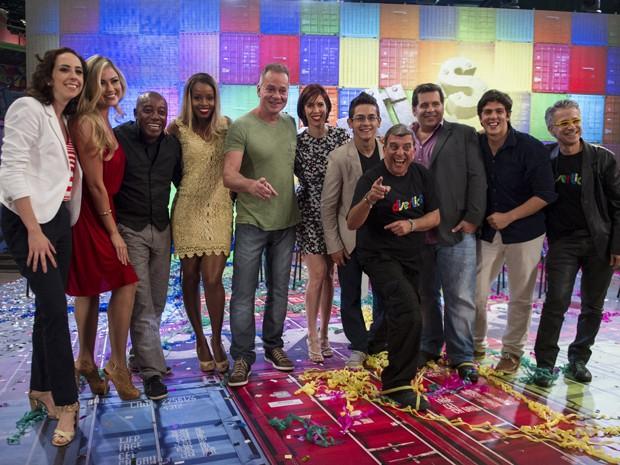 Ellen e toda galera do Divertics reunida (Foto: Globo/Estevam Avellar)