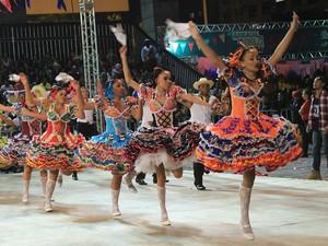 Festival de quadrilhas juninas Uberlândia (Foto: ONG Ação Moradia / Divulgação )