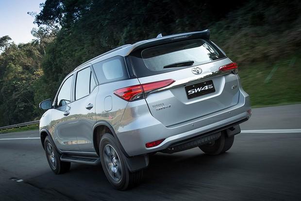 Toyota SW4 SR flex (Foto: Divulgação)