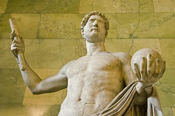 Estátua em mármore do imperador romano Adriano que reinou até o ano 138 d.C. (Foto: © Haroldo Castro/ÉPOCA)