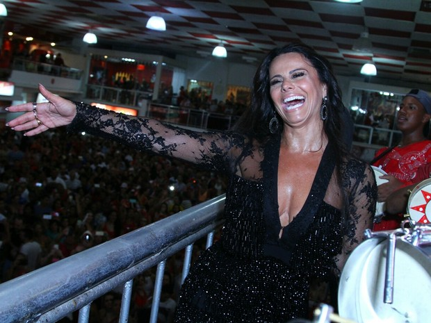 Viviane Araújo na quadra do Salgueiro, na Zona Norte do Rio (Foto: Anderson Borde/ Ag. News)