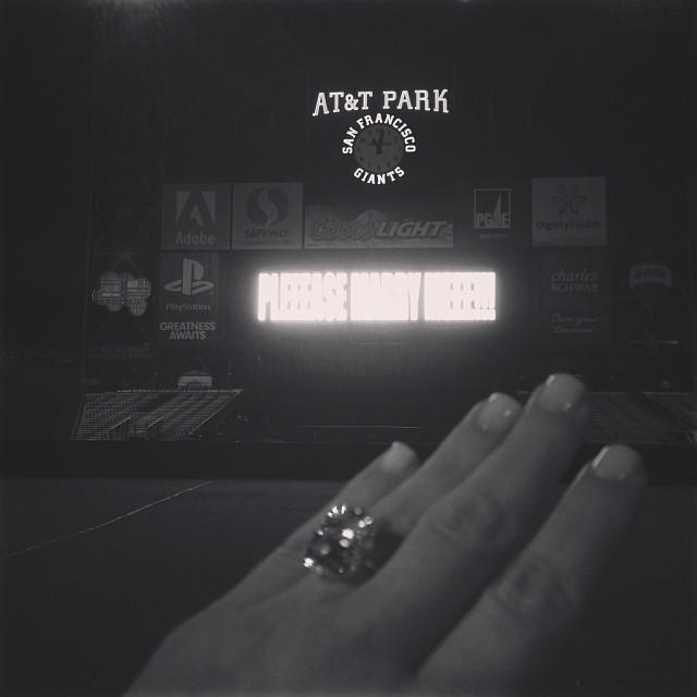 Anel de noivado de Kim Kardashian (Foto: Instagram / Reprodução)
