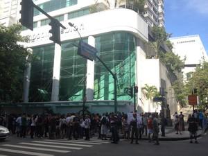 Shopping Leblon fechou portas; rolezinho não teve adesão (Foto: Daniel Silveira/ G1)