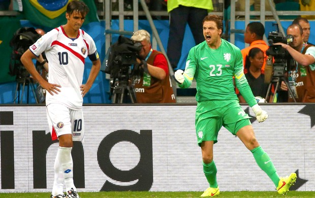 Tim Krul defesa pênalti Holanda x Costa Rica (Foto: Reuters)