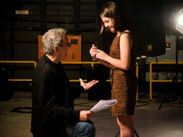Klara Castanho grava filme para a Campanha Criança Esperança 2013 (Foto: Raphael Dias)