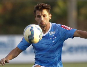 Zagueiro Paulo Andre pode voltar ao time do Cruzeiro na partida contra o Goiás
