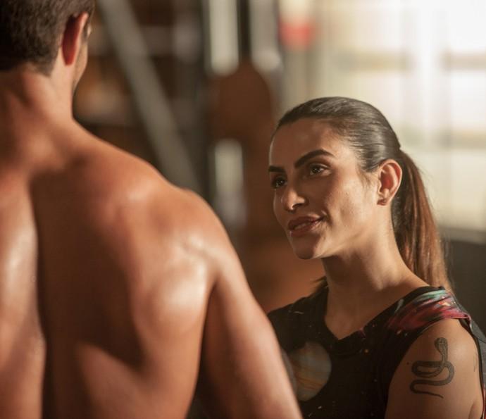 Aldo se apaixona pela lutadora Vivianne, personagem de Cleo Pires (Foto: Globo Filmes/ Reprodução)