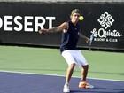 Justin Bieber joga tênis em evento beneficente nos Estados Unidos