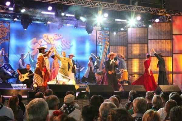 CTG Rancho da Saudade vencedor do ENART 2011 com uma coreografia para a música Origens (Foto: Divulgação/RBS TV)