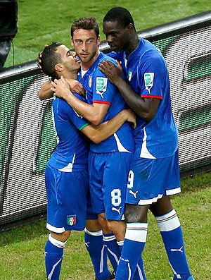 Sebastian Giovinco gol Itália Japão (Foto: Reuters)