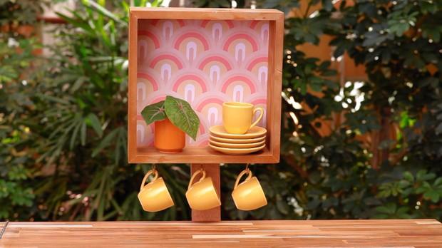 Mais Cor, Por Favor, Thalita Carvalho, Faa voc mesmo, Porta-xcaras de madeira: veja como criar um nicho de suporte para as louas (Foto: Divulgao/GNT)