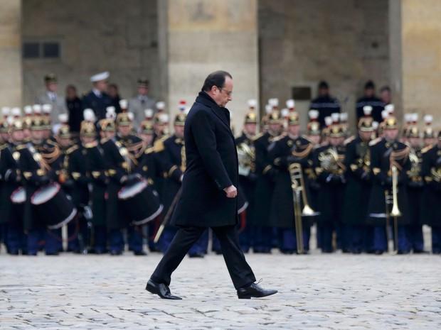 Presidente François Hollande fez discurso de 16 minutos durante homenagem aos mortos nos atentados de Paris (Foto: Philippe Wojazer/ Reuters)
