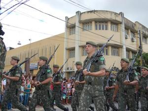 Desfile de 7 de setembro em Campina Grande (Foto: Rammom Monte / G1)