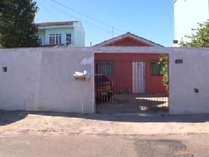 Crime ocorreu na Vila Osternack, em Curitba, em 30 de junho deste ano (Foto: Reprodução/ RPC TV)