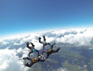 Outlet XP fará 100 saltos em Raeford, Carolina do Norte, EUA (Foto: João Kimak)