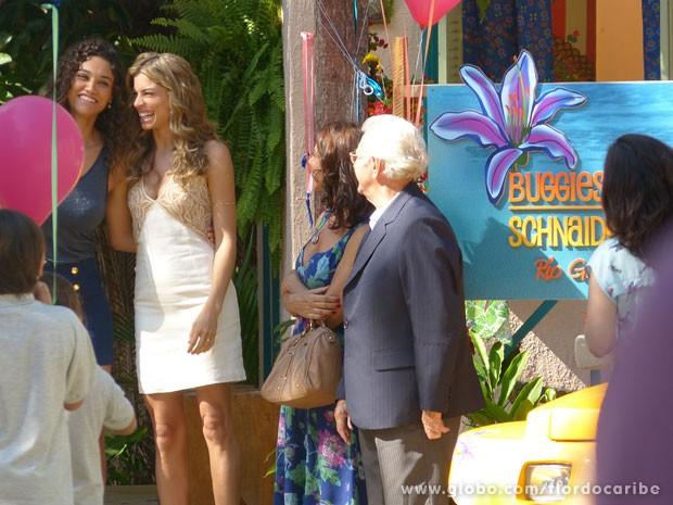 Empresa é ianugurada com festa (Foto: Flor do Caribe / TV Globo)