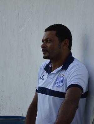Rocha pode ter de volta Paulinho Mossoró (Foto: João Áquila/GLOBOESPORTE.COM)