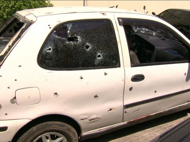 Quatro PMs são suspeitos de matar cinco jovens e alterar cena do crime, em Costa Barros na noite de sábado (28) (Foto: GloboNews)