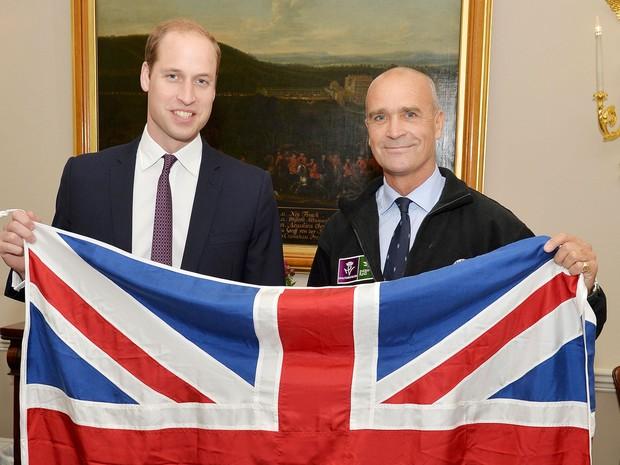 Henry Worsley, fotografado ao lado do príncipe William em outubro de 2015, morreu ao tentar chegar ao Polo Sul (Foto: John Stillwell/ Reuters)