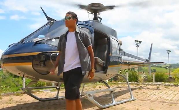 MC Daleste no clipe de 'São Paulo' (Foto: Divulgação)