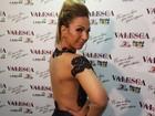 Valesca Popozuda posa com transparência em bastidores de show