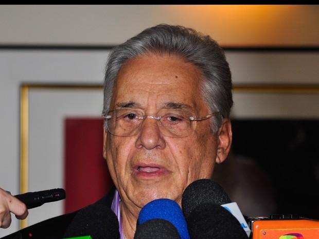 O ex presidente Fernando Henrique Cardoso dá entrevista à imprensa neste sábado. (Foto: Gustavo Rampini/AE)