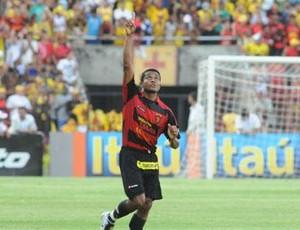 Junior Maranhão comemorando gol pelo Sport (Foto: Divulgação / Ascom)