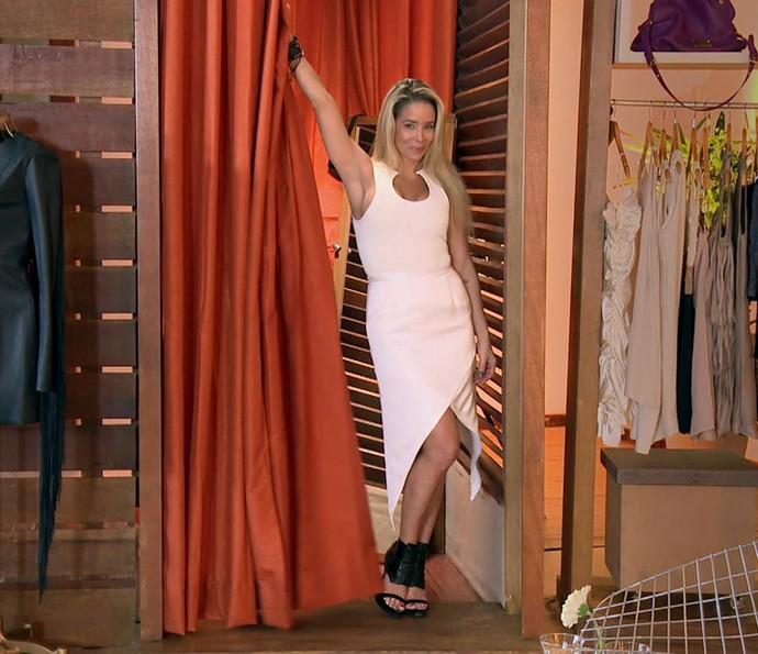 Danielle Winits abre o closet no 'Estrelas' (Foto: TV Globo)