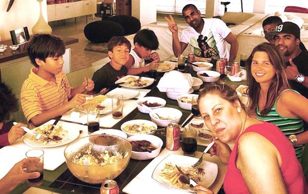 Emerson Sheik almoço (Foto: Reprodução / Instagram)
