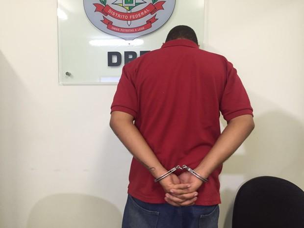 22f5bb3c6bb Otávio Alves Dias preso pela polícia apontado como responsável por roubo em  joalheria (Foto